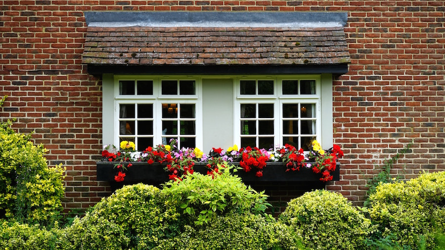 Enhanced curb appeal, and other ways to renovate your home before you sell